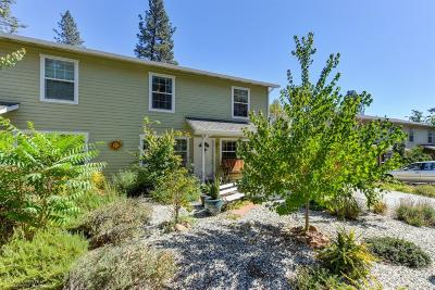 Grass Valley Condo/Townhouse For Sale: 106 N Church Court
