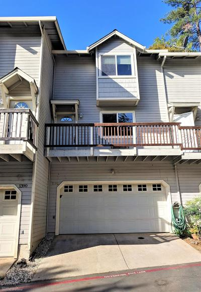 Condo/Townhouse Sold: 1392 Oak Ridge Drive