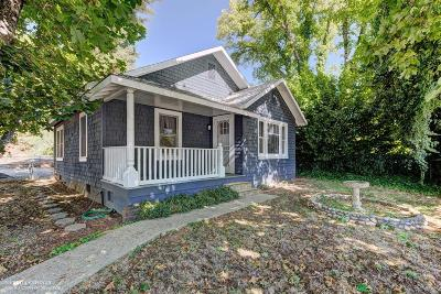 Single Family Home Sold: 300 Colfax Avenue