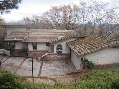Single Family Home Active REO: 17591 Patricia Way