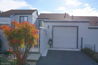 Grass Valley Condo/Townhouse For Sale: 174 McNab Circle