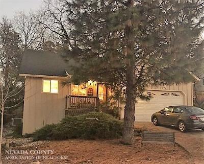 Nevada City Single Family Home For Sale: 16853 Oak Hollow Circle