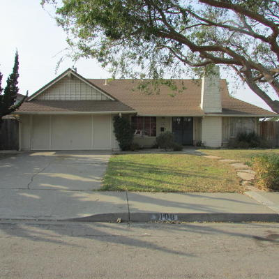 Santa Barbara County Single Family Home For Sale: 109 Somerset Place