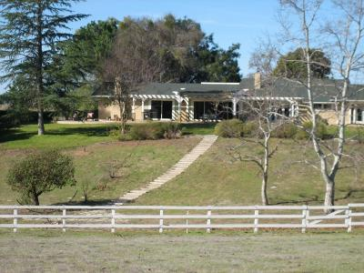 Santa Ynez Single Family Home For Sale: 1695 Linda Vista Drive