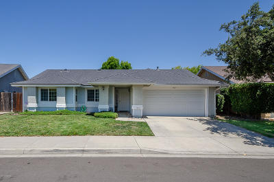 Lompoc Single Family Home For Sale: 1360 Village Meadows Drive