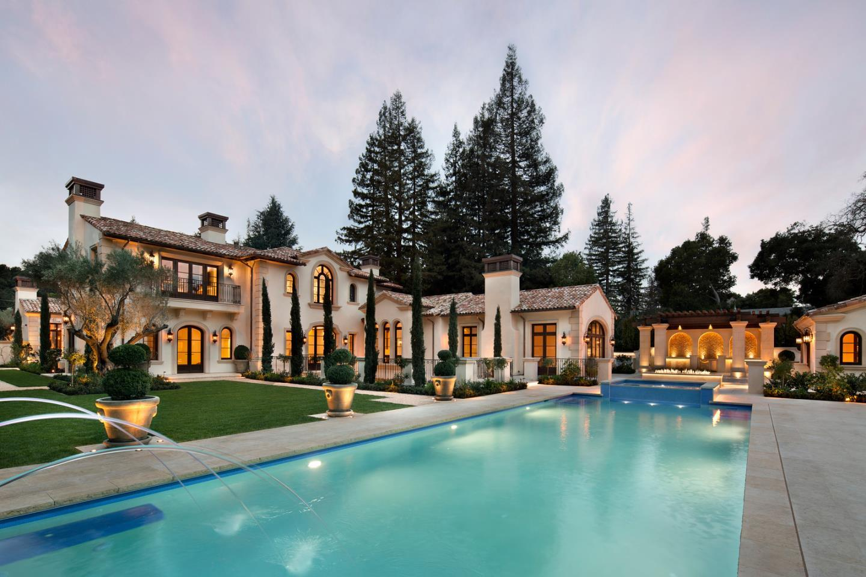 Charmant Property Photo
