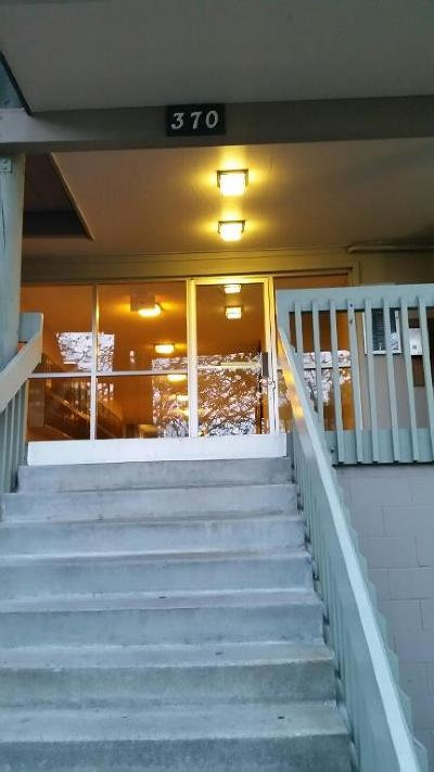 DALY CITY Condo For Sale: 370 Imperial Way 113