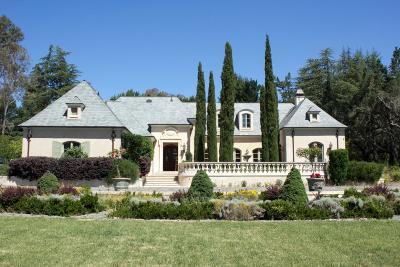 Los Altos Hills Single Family Home For Sale: 12661 Robleda Rd