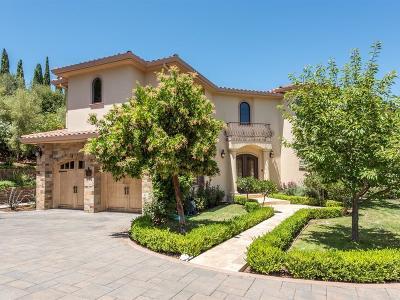 Los Altos Hills Single Family Home For Sale: 25721 La Lanne Ct