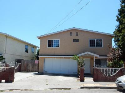 East Palo Alto Single Family Home For Sale: 14 Buchanan Ct