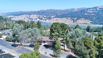 Morgan Hill Single Family Home For Sale: 17280 Lakeview Dr