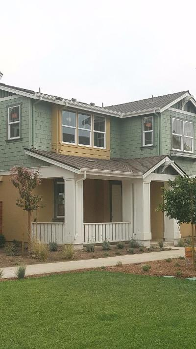 Santa Cruz Single Family Home For Sale: 40 Lola Way