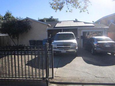 East Palo Alto Single Family Home For Sale: 2360 Ralmar Ave