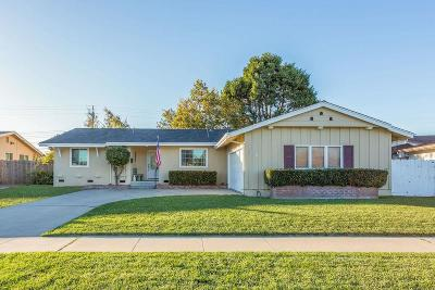 SALINAS Single Family Home For Sale: 1226 Dickens Dr