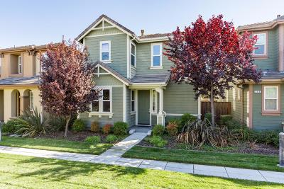 San Jose Single Family Home For Sale: 269 Rayos Del Sol Dr