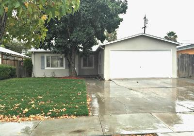 Single Family Home For Sale: 1686 Foxworthy Ave
