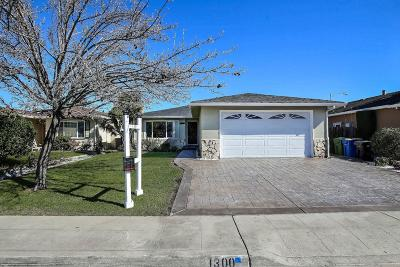 MILPITAS Single Family Home For Sale: 1300 Moonlight Way