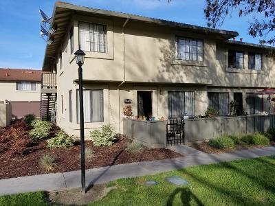SAN JOSE Townhouse For Sale: 3215 Kenhill Dr