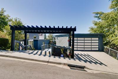Portola Valley Single Family Home For Sale: 776 La Mesa Dr