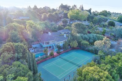 Los Altos Hills Single Family Home For Sale: 25840 Vinedo Ln