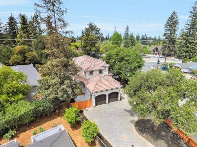 Los Altos Single Family Home For Sale: 300 Cuesta Dr