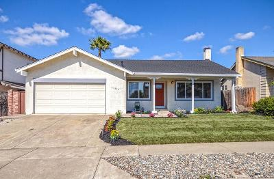 Fremont Single Family Home For Sale: 47436 Mantis St