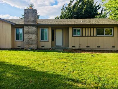 Single Family Home For Sale: 20707 Meadow Dr