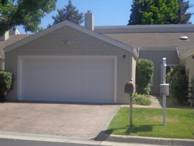 Cupertino Townhouse For Sale: 22650 Silver Oak Ln