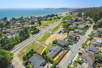 Half Moon Bay Single Family Home For Sale: 3279 Cabrillo Hwy