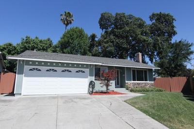 San Jose Single Family Home For Sale: 104 Lime Blossom Ct
