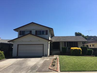 Single Family Home For Sale: 754 Almeria Dr