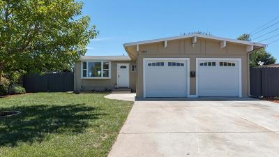 East Palo Alto Single Family Home For Sale: 1403 Camellia Dr