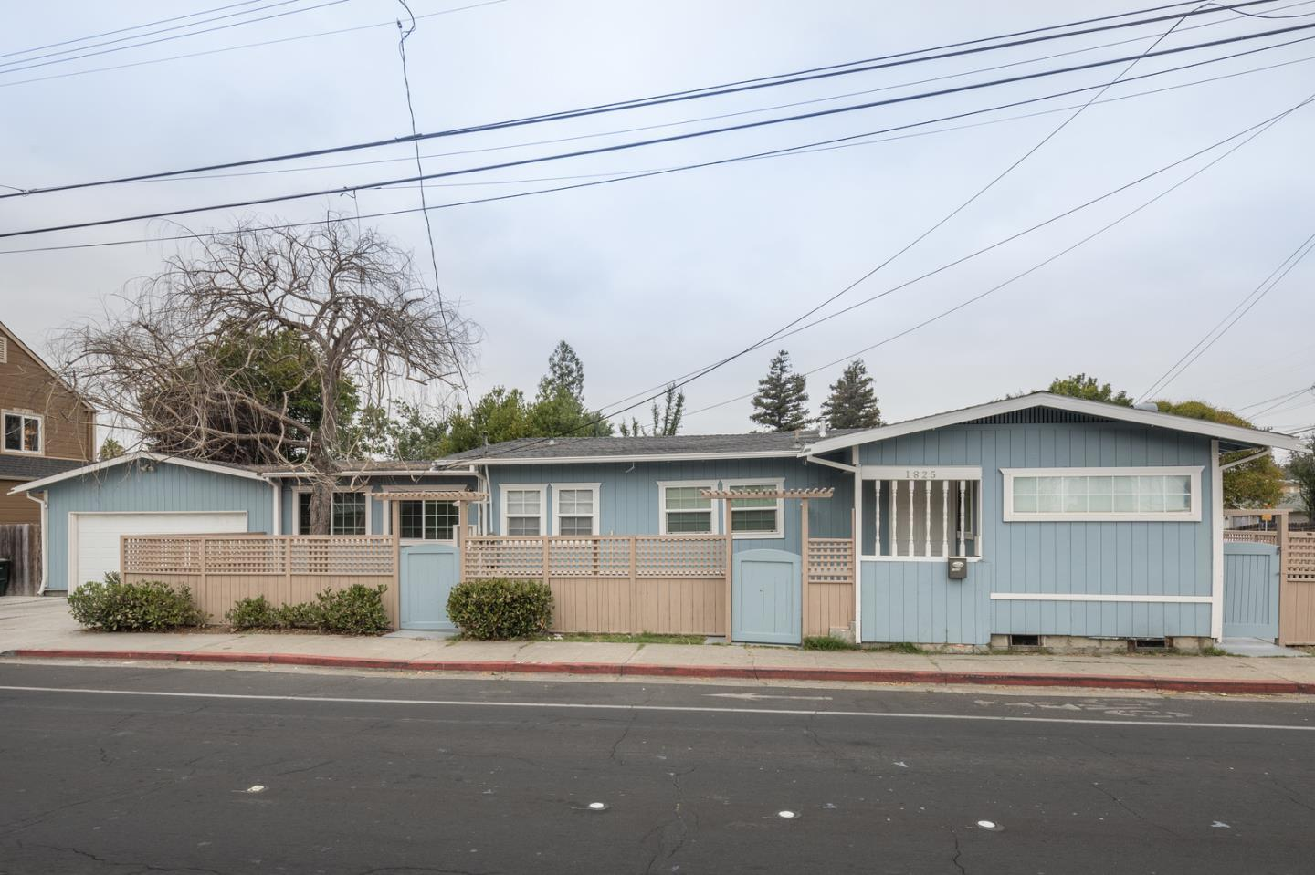 3 bed / 2 baths Home in REDWOOD CITY for $998,000