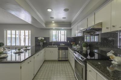Newark Single Family Home For Sale: 6133 Bellhaven Pl