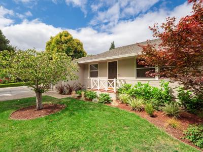 Menlo Park Single Family Home For Sale: 1025 Oakland Ave