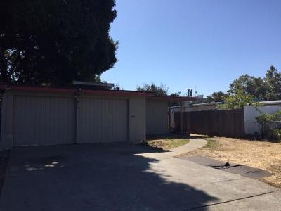EAST PALO ALTO Single Family Home For Sale: 1616 Michigan Ave