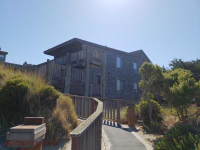 Watsonville Condo For Sale: 40 Pelican Pt