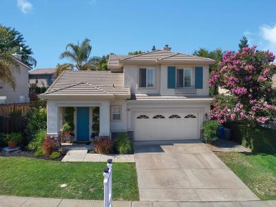 GILROY Single Family Home For Sale: 945 Oak Brook Way