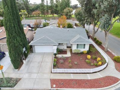 Single Family Home For Sale: 5001 Royal Estates Ct
