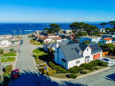 Pacific Grove Single Family Home For Sale: 39 Coral St