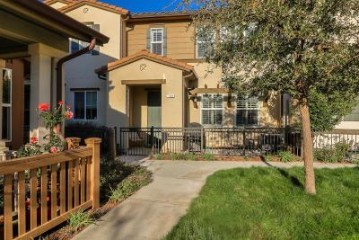 MORGAN HILL Townhouse For Sale: 130 Larkspur Loop