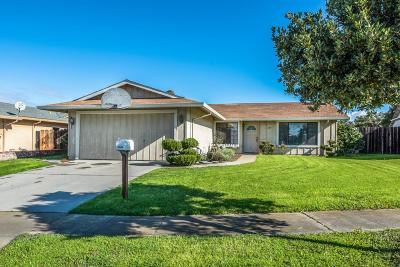 SALINAS Single Family Home For Sale: 966 Estrada Ct