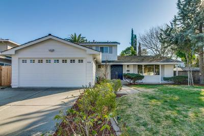 Single Family Home For Sale: 1008 Akio Way