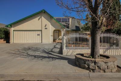 Single Family Home For Sale: 4392 Kingspark Dr