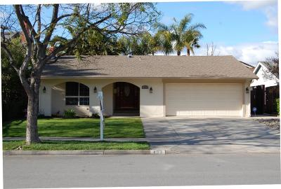 Single Family Home For Sale: 423 Curie Dr