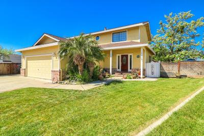 HOLLISTER CA Single Family Home For Sale: $565,000