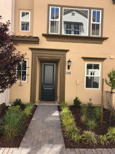 Union City Townhouse For Sale: 33406 Eileen Ter