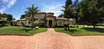 Watsonville Single Family Home For Sale: 120 Hazel Dell Hts