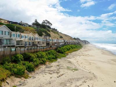 Santa Cruz County Townhouse For Sale: 312 Oceanview Dr