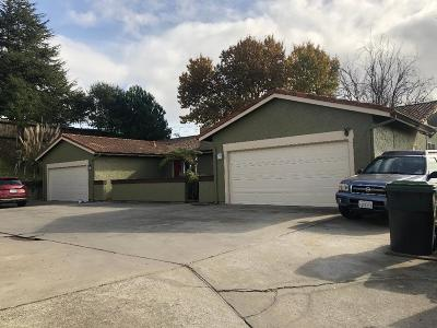 Santa Cruz County Multi Family Home For Sale: 4 Honeysuckle Dr